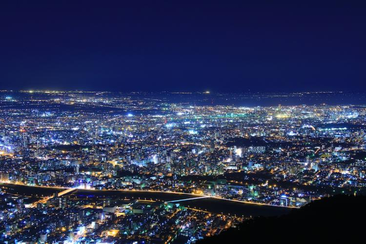 Whole view of Sapporo! 「Mt.Moiwa」 the holly place for lovers and one of the three major night view spot in Japan.