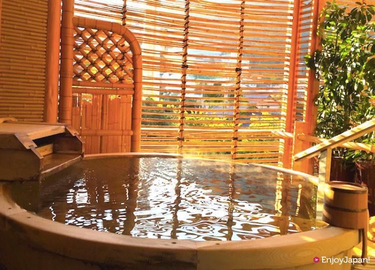 dcf09fe492c3 Arima Onsen Nakanobo Zuien chartered Ginsen outdoor bath Aomori Hiba